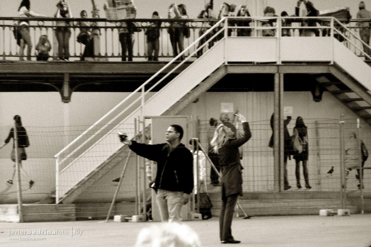 Turistas tomando fotos