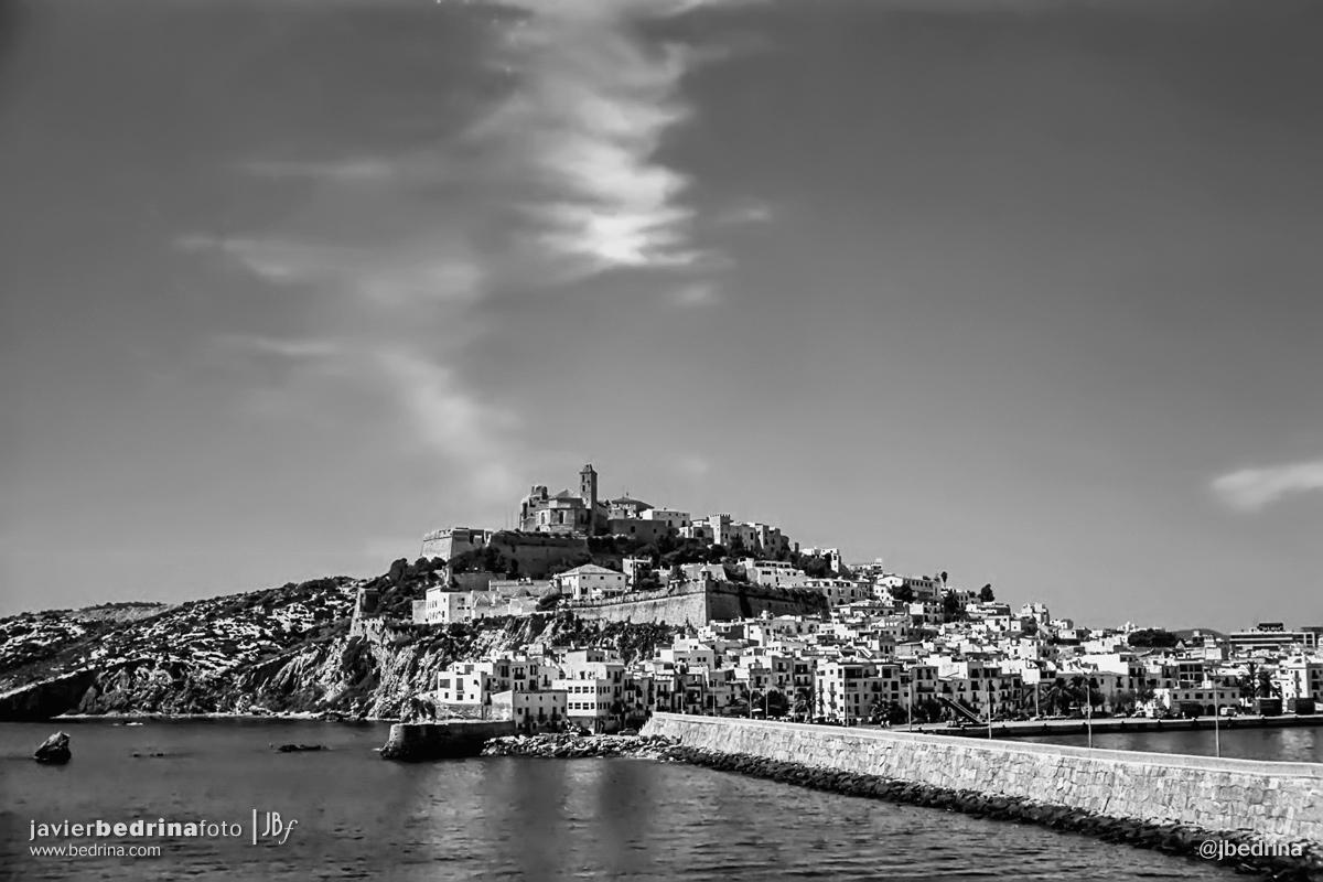 Ciudad de Ibiza desde el puerto.