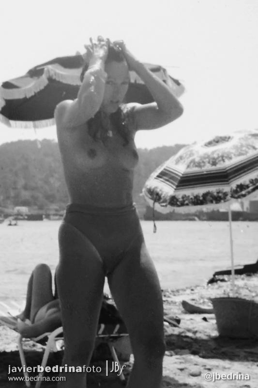 Topless en la playa.